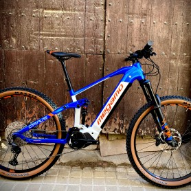 Alquiler E-bike doble suspension talla S